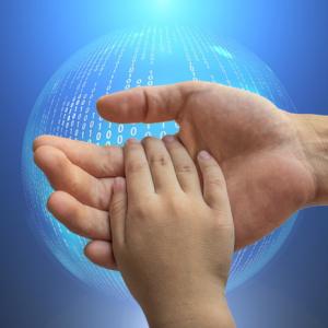 corso di educazione digitale per genitori ed educatori